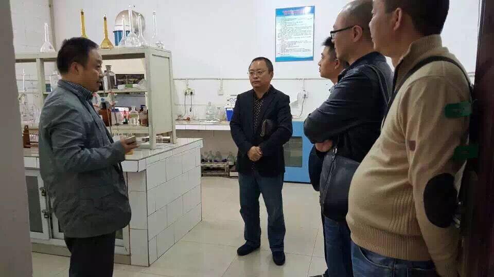 2015年10月30日,成都白家农产品市场副总考察了眉山鹌鹑全产业链